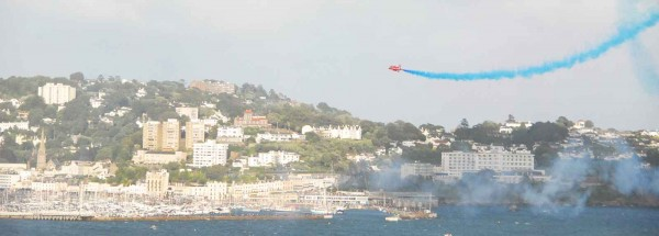 Torquay Red Arrows Torbay Airshow Clean your windows